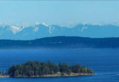 Ocean and Mountain views at the Gales in Ladysmith on Vancouver Island