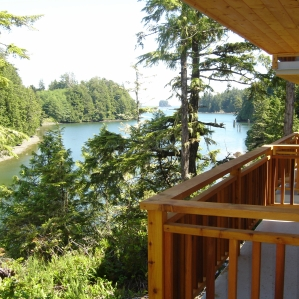 Waterfront vacation cottages Ucluelet